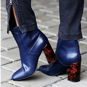 🆕 Free People x Charles David Modern Heel Boot